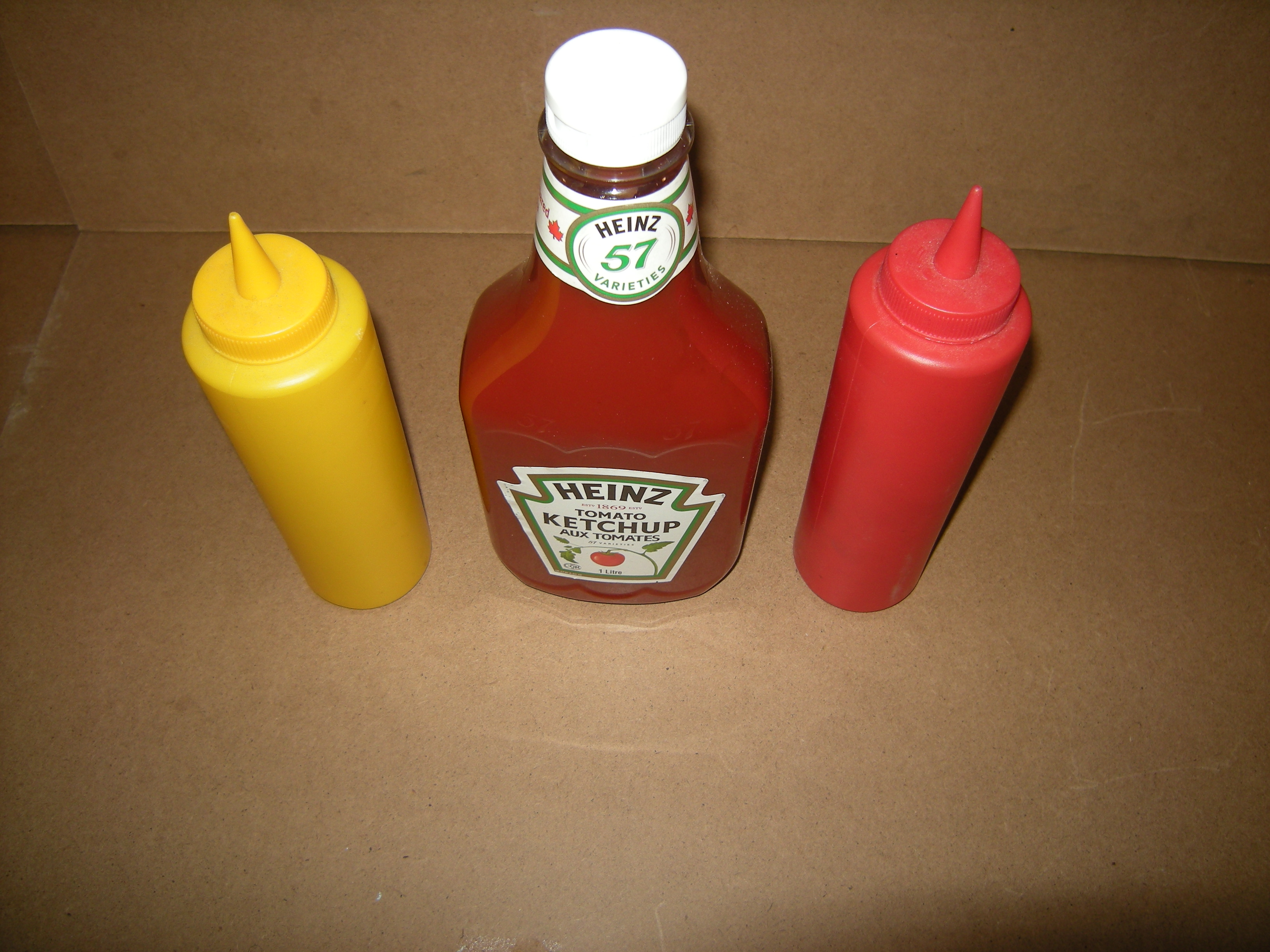 condiment-containers